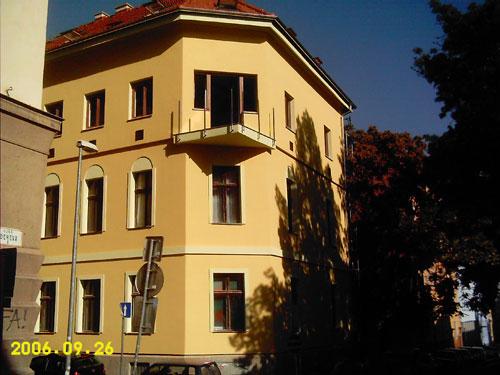 Nadstavba bytového domu na Podjavorinskej ul. č 2
