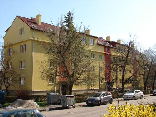 Nadstavba bytových domov na Kadnárovej ul. č. 36-40 a 60-64